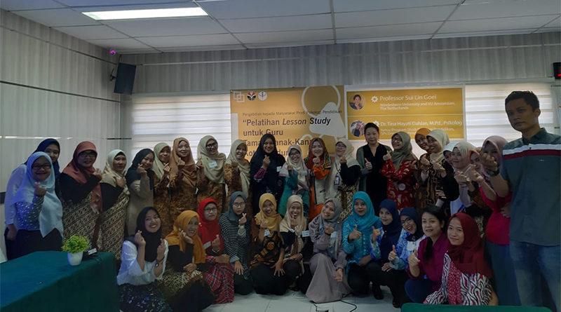 Training Lesson Study Kindergarten Teachers at Universitas Pendidikan Indonesia